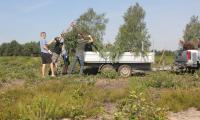 """Landschaftspflegeeinsatz beim Aktionstag """"genialsozial"""" im Biosphärenreservat"""