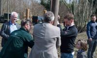 Obstbaumpflanzung mit Ministerpräsident (Foto: Karl Lorenz Richter)